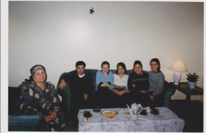 Bizning Kanadadagi uyimizga Bahodir Fayziev mehmon bo`lgan vaqt tushirilgan rasm.