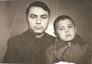 1971 йил, Тошкентда ўғлим Баҳодир билан туширилган расм.